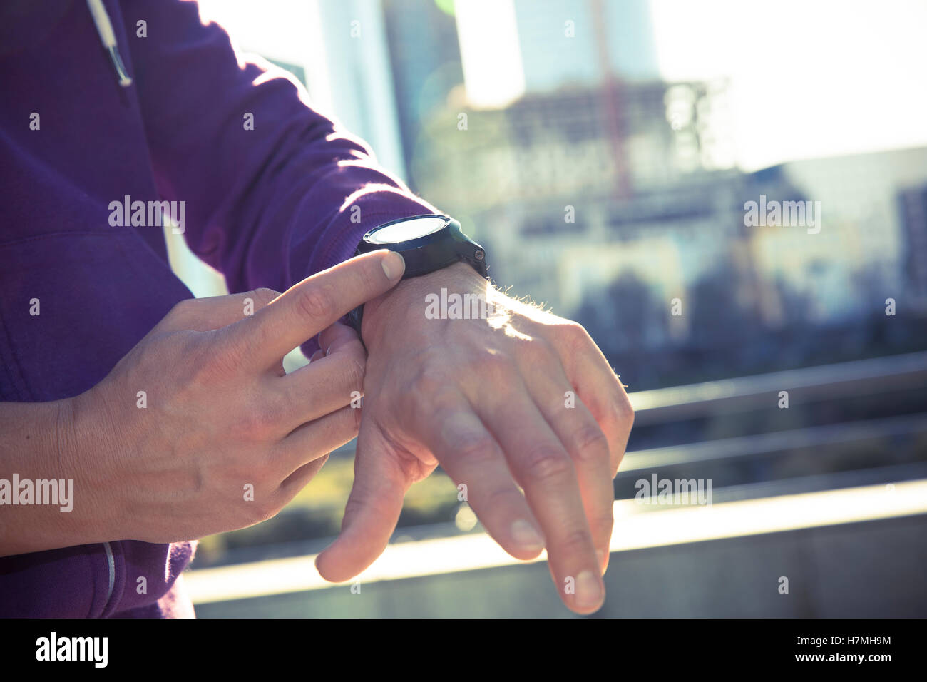 Goldene Uhr Stock Photos Goldene Uhr Stock Images Alamy Schauen Stockfotos And Schauen Bilder Alamy