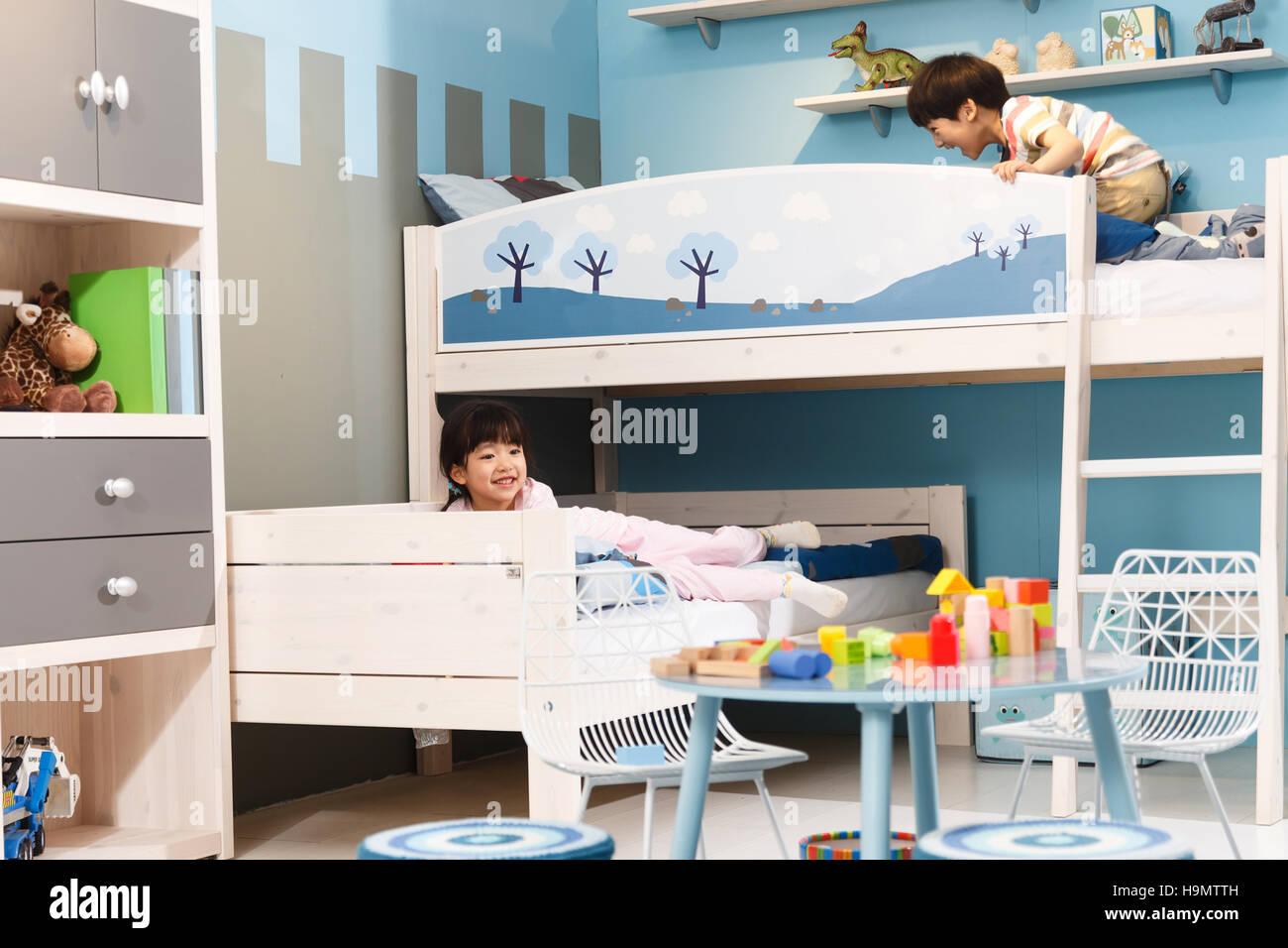 Etagenbett Für Zwei Kinder : Hochbett buche massiv schön fr zwei kinder interesting