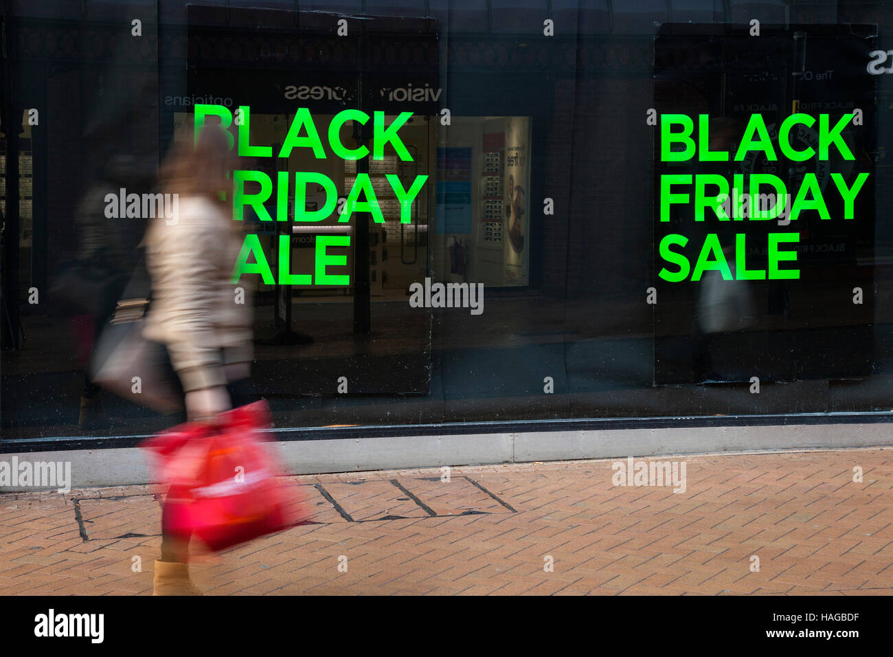 Black Friday Einkaufen Roman Fashion Stockfotos And Roman Fashion Bilder Alamy