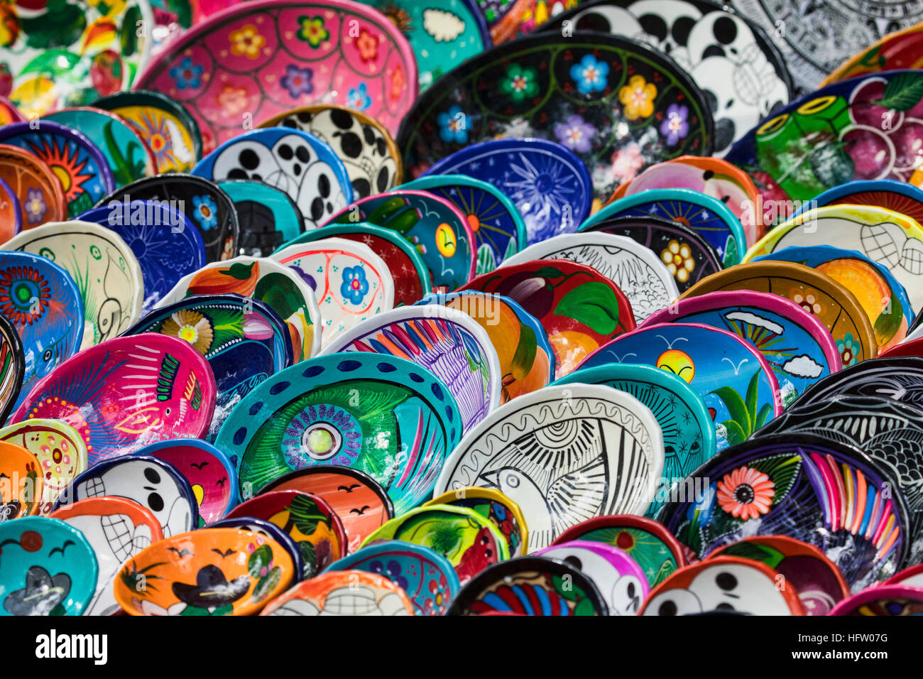 Keramische Platten Schneiden Plates Colorful Art Mexico Stockfotos And Plates Colorful