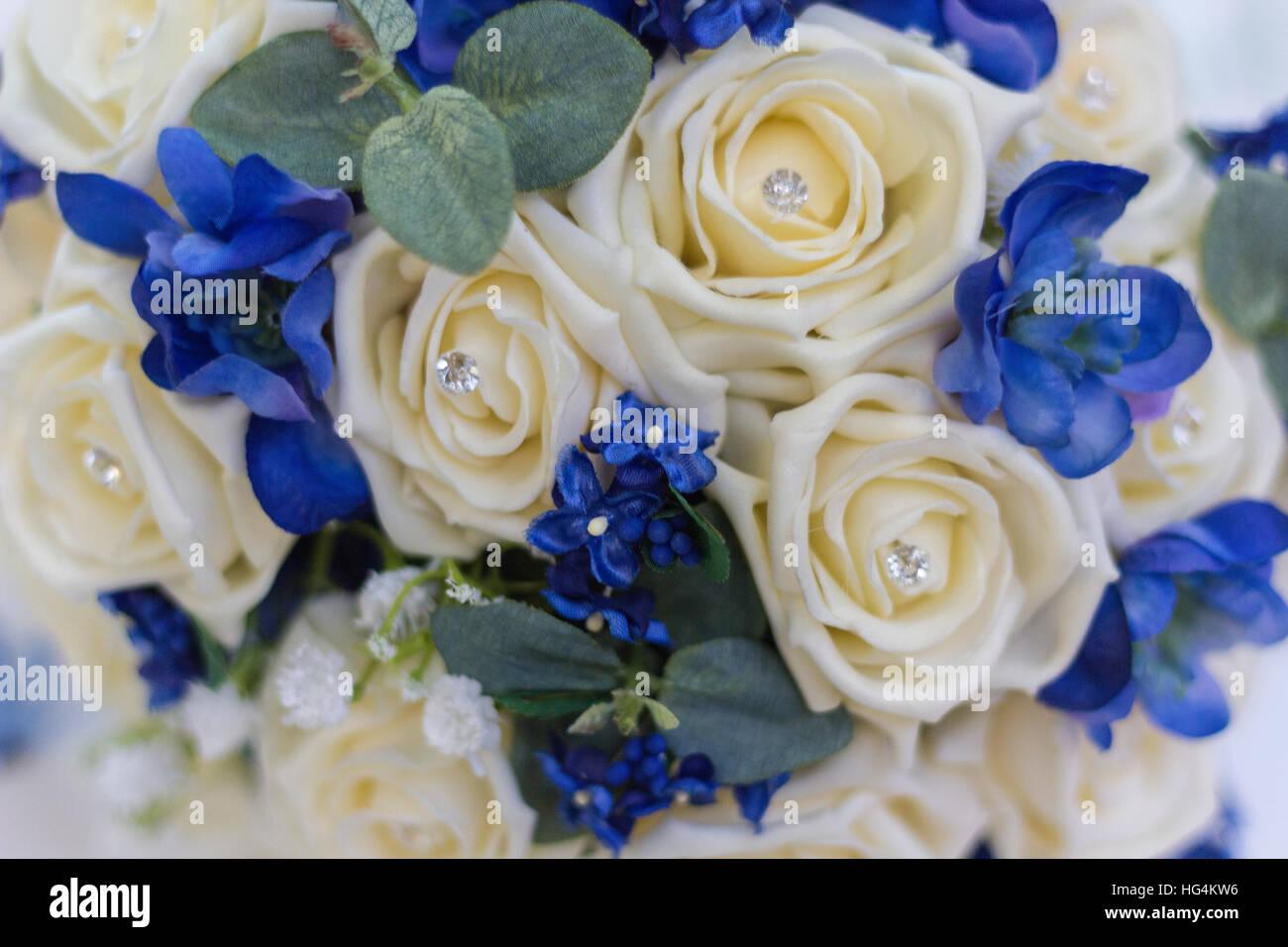 Blauer Brautstrauss Blumenfarben Fur Die Hochzeit Weddix