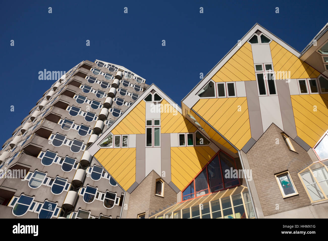 Container Haus Cube Cube House Not Container Stockfotos Cube House Not Container