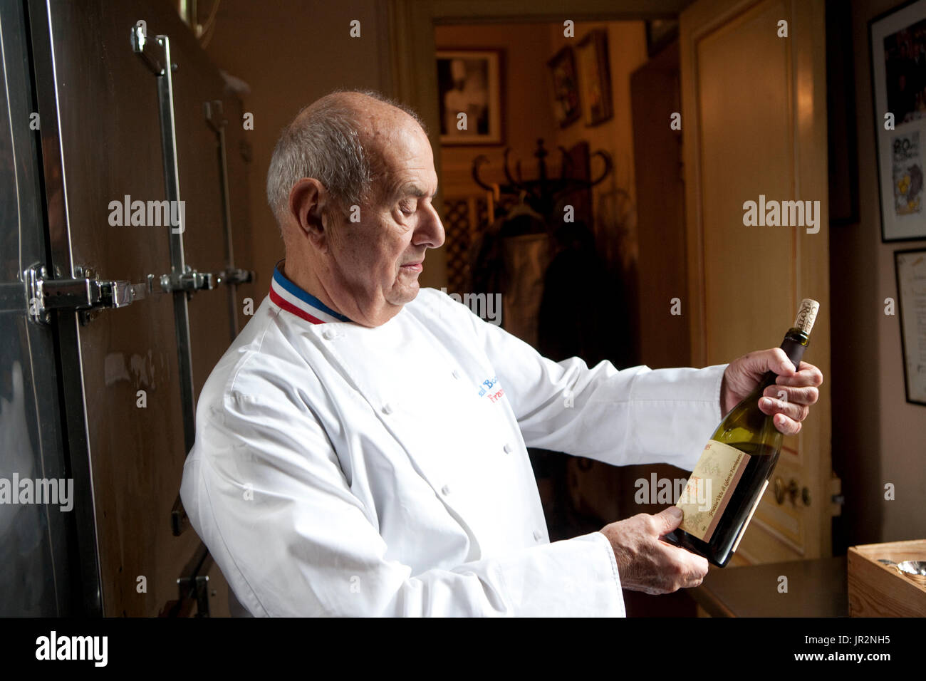 Bocuse Die Neue Küche 1977 Paul Bocuse Stockfotos And Paul Bocuse Bilder Alamy