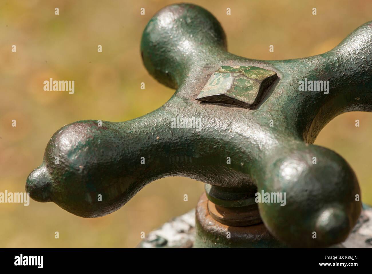 Wasserhahn Drehgriff Wasserhahn Kuche Dreht Durch