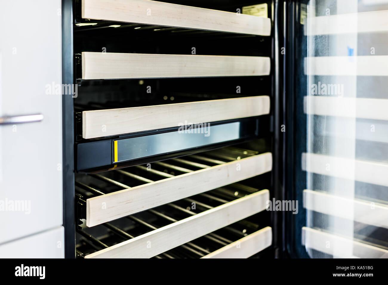 Minibar Kühlschrank Glastür : Mini kühlschrank glastür kühlschrank glasfront best of türen
