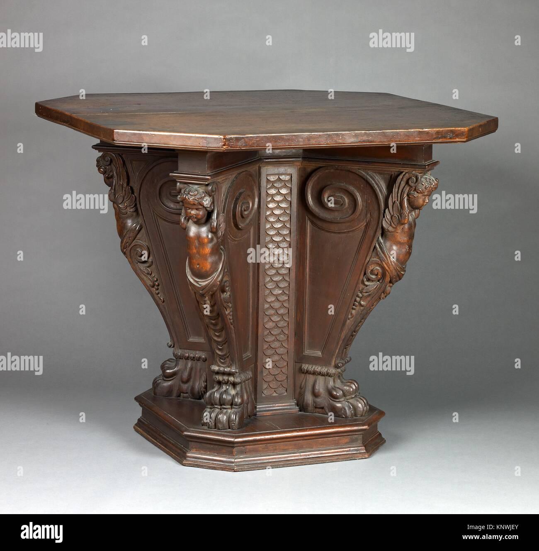 octagonal table stockfotos octagonal table bilder alamy
