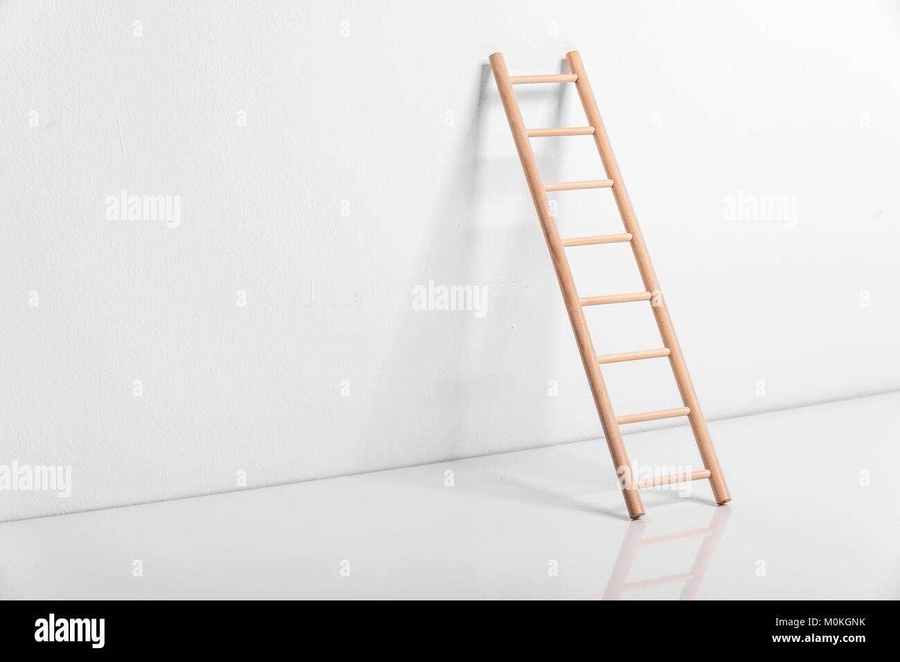Tapete Gemauerte Wand Wooden Ladder Against Wall Stockfotos And Wooden Ladder