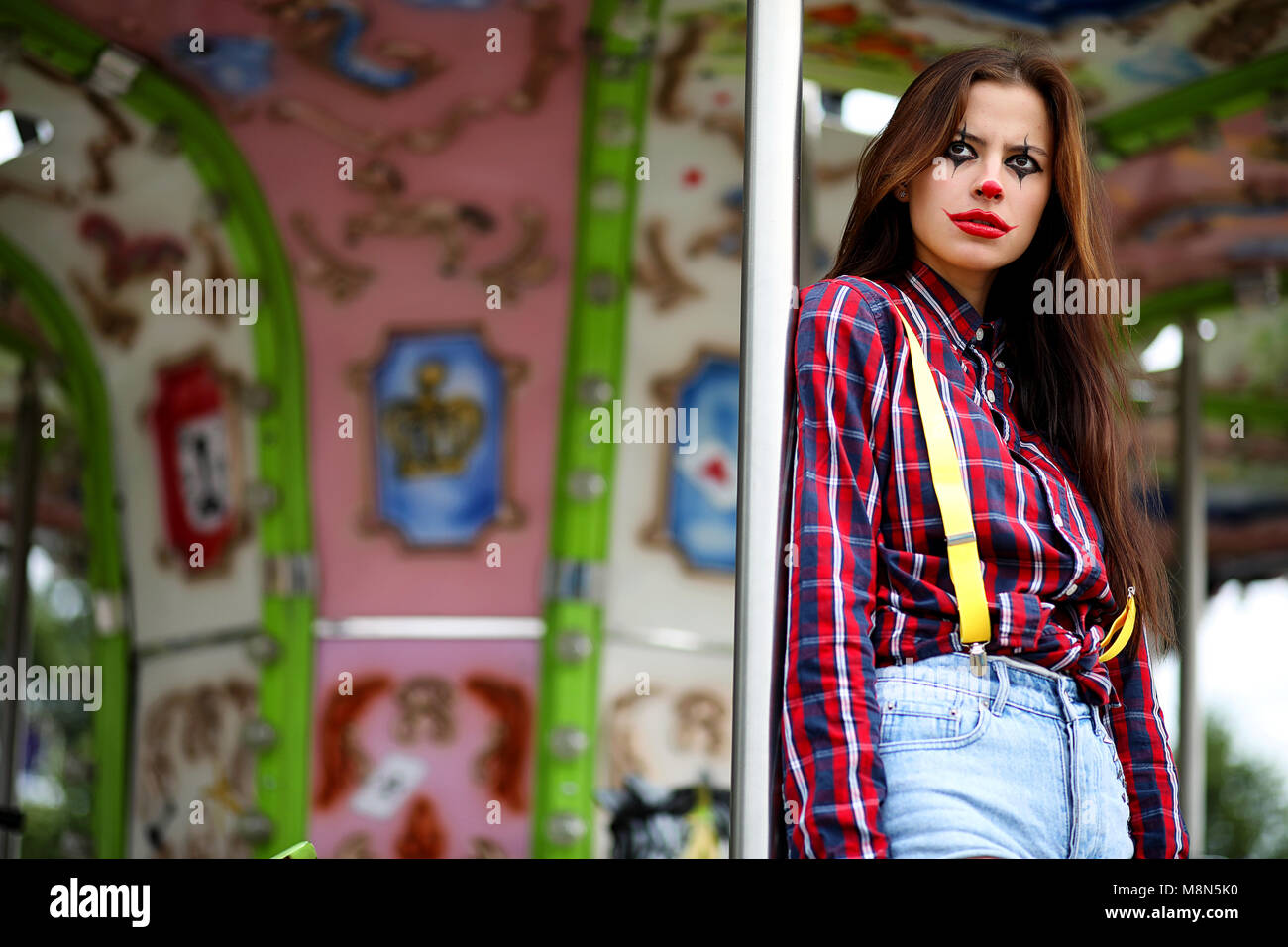 Clown Schminken Suess Süße Mädchen In Einem Clown Make Up Stockfoto Bild 177486372 Alamy