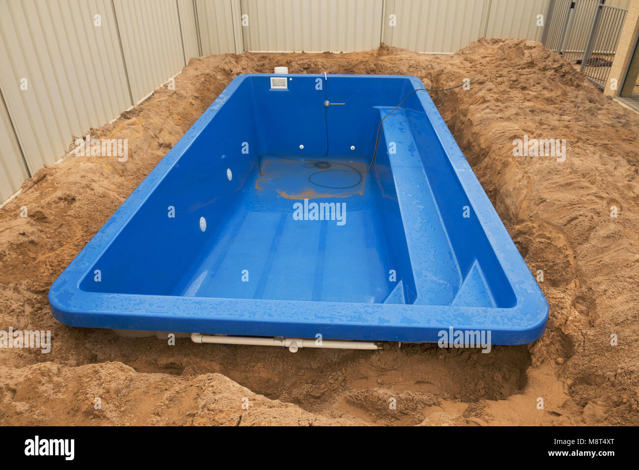 Gfk Pool Reparatur Construction Pool Stockfotos Construction Pool Bilder Alamy
