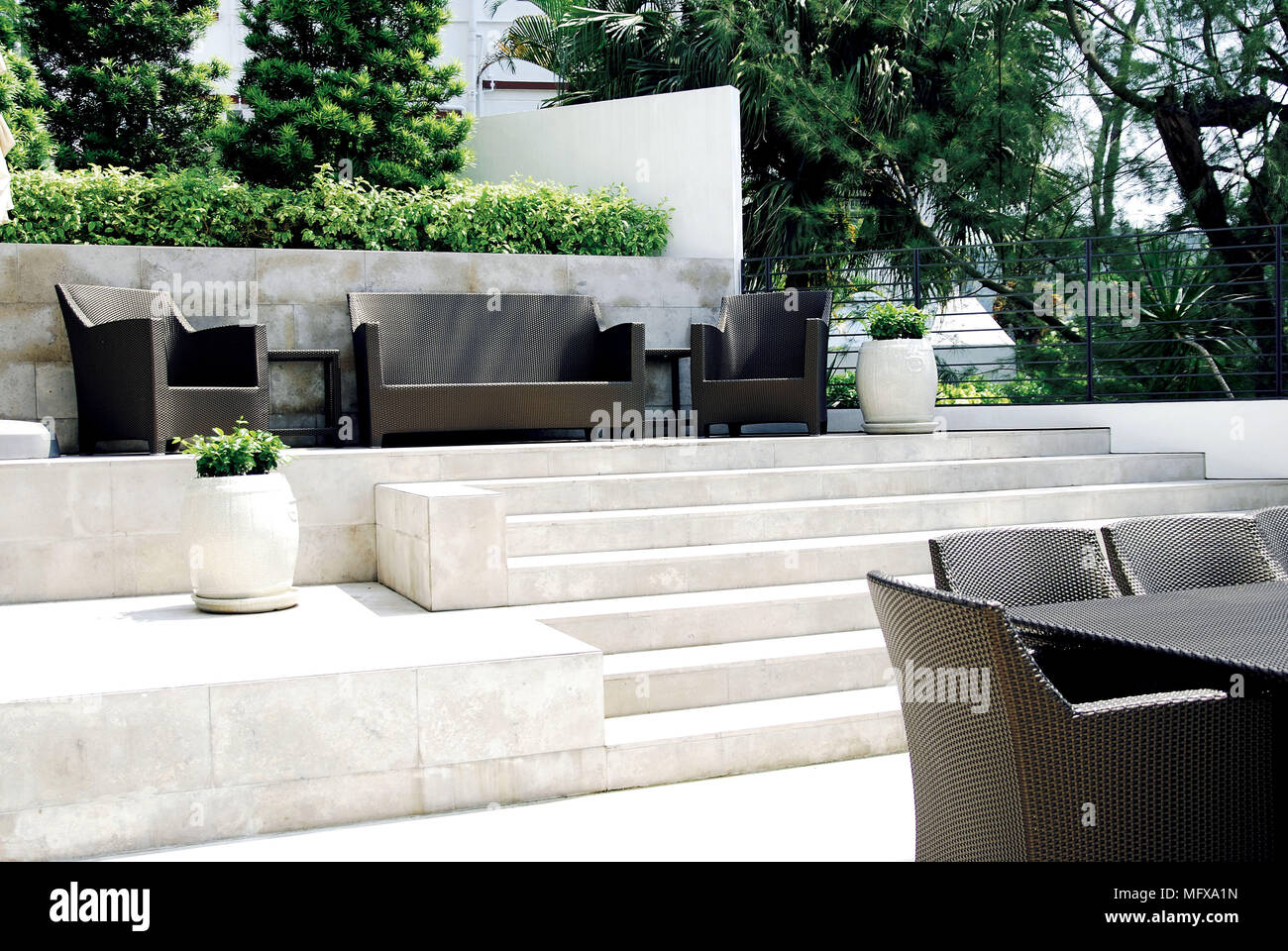 Gepflasterte Terrasse On The Level Stockfotos And On The Level Bilder Alamy