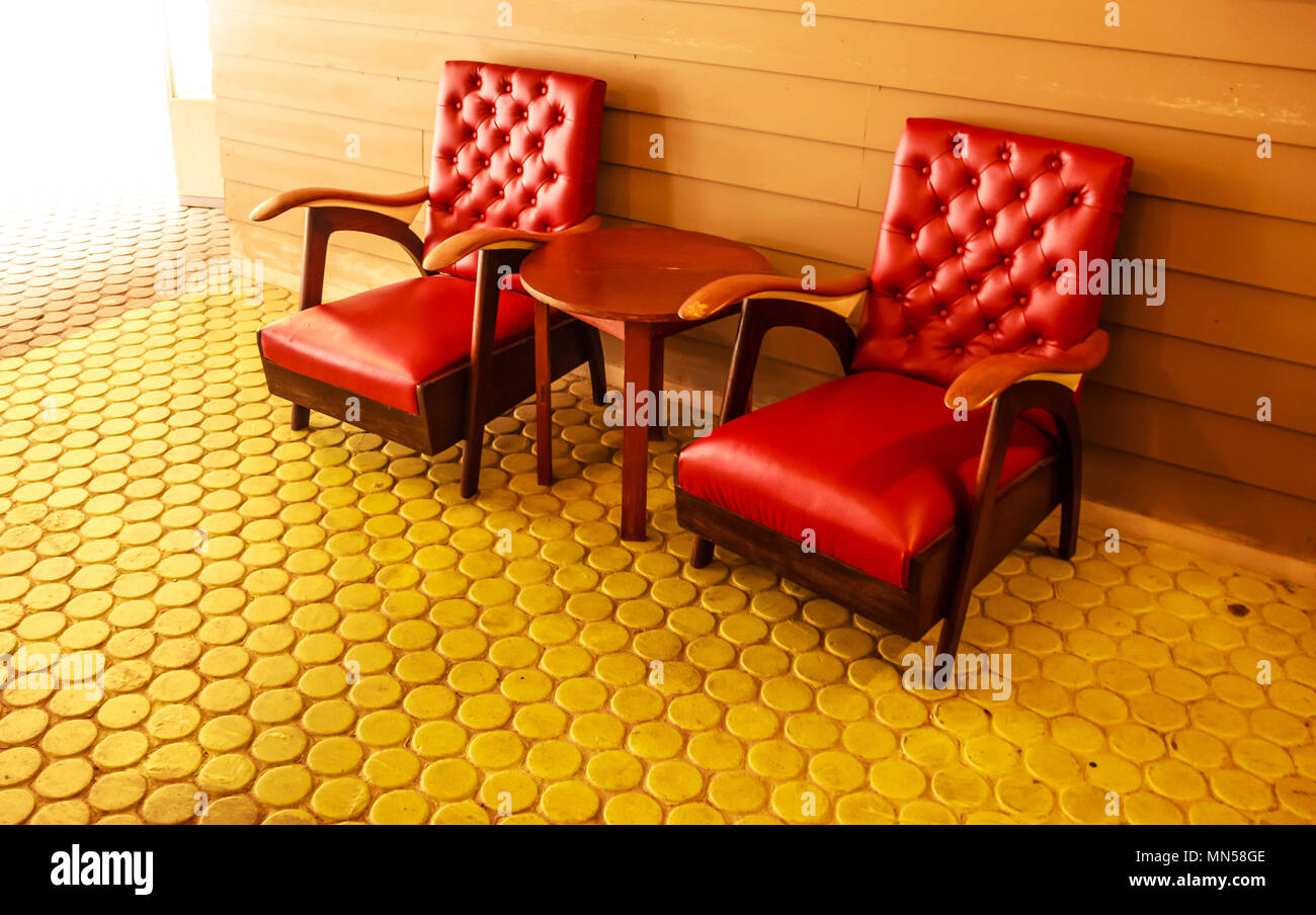 Roter Retro Sessel Vintage Furniture Red Stockfotos Vintage Furniture Red Bilder