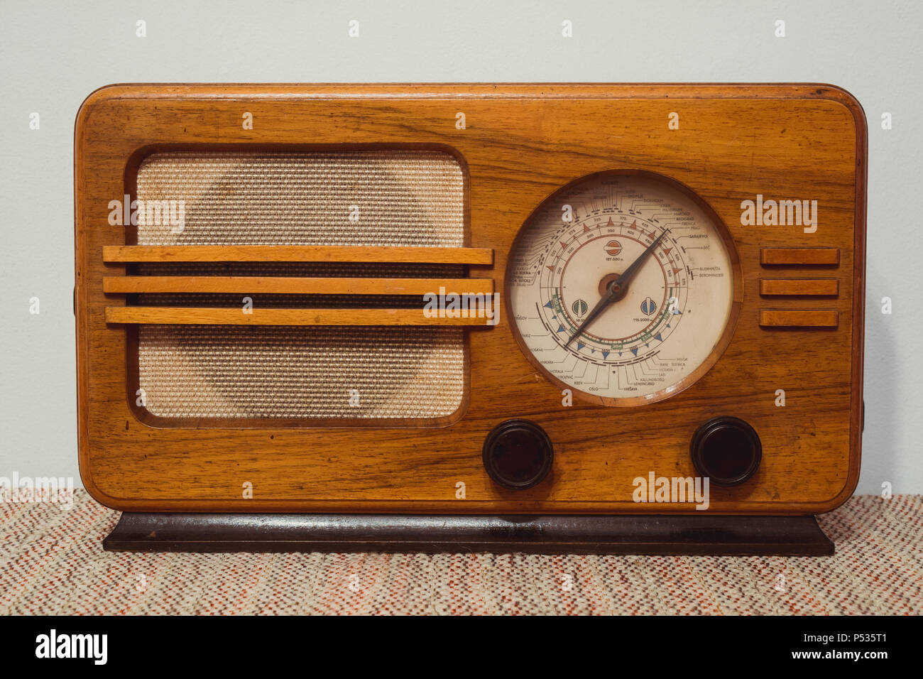 Altes Holz Radio Historic Radio Old Broadcasting Stockfotos And Historic