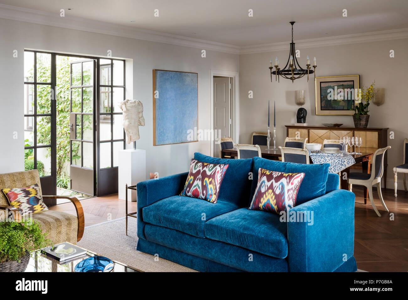 Wohnzimmer Blaue Couch Couch Blau Beautiful Bilder Dreipunkt