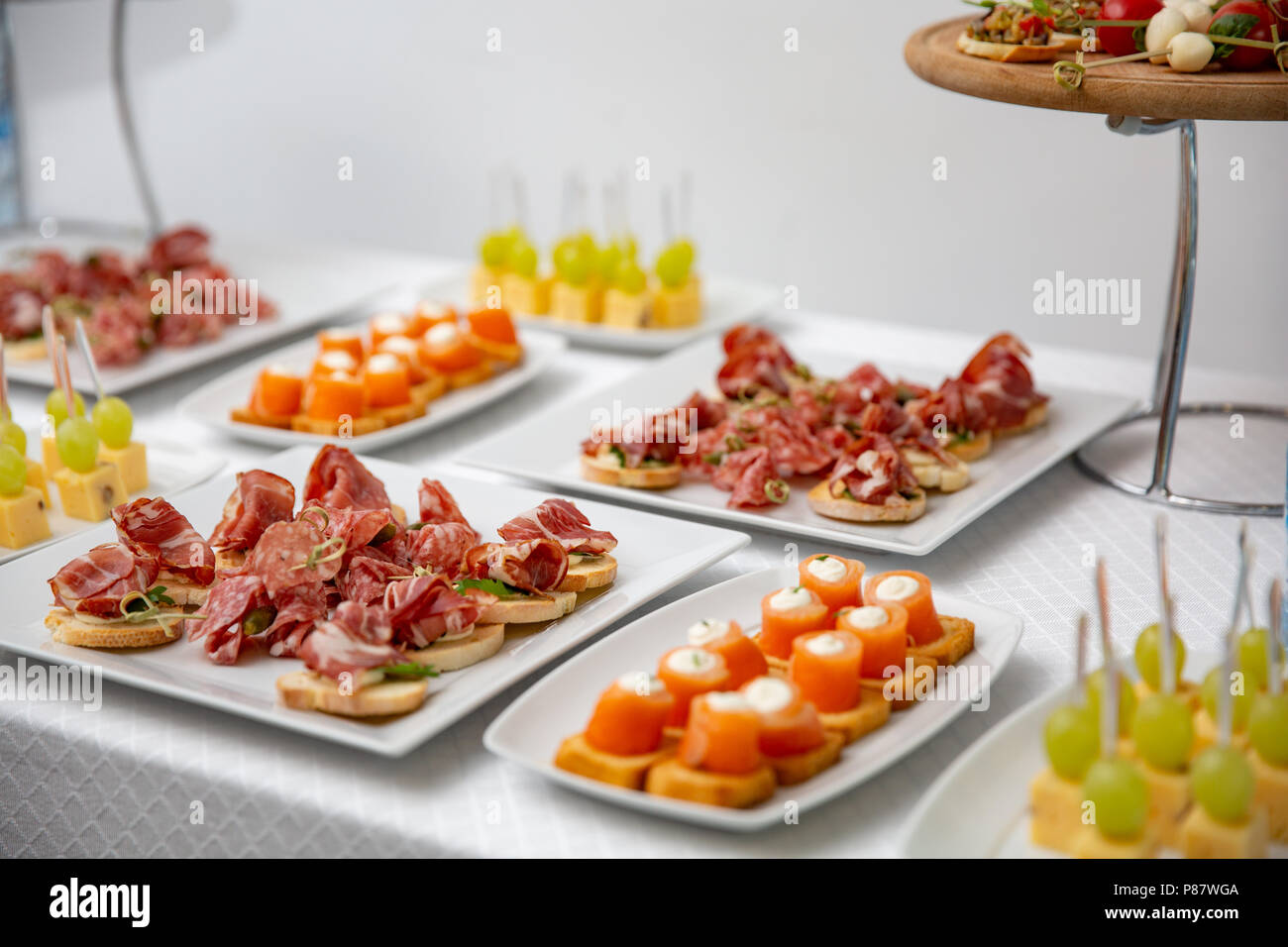 Canapes Hochzeit Salami Canapes Stockfotos And Salami Canapes Bilder Seite