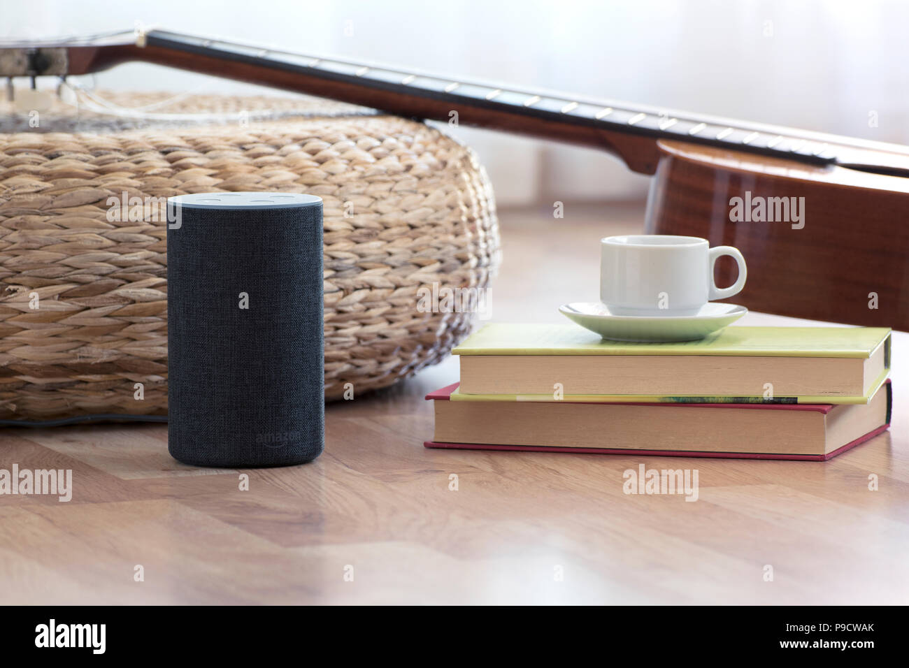 Amazon Bilder Wohnzimmer Barcelona Juli 2018 Amazon Echo Smart Home Alexa Voice Service