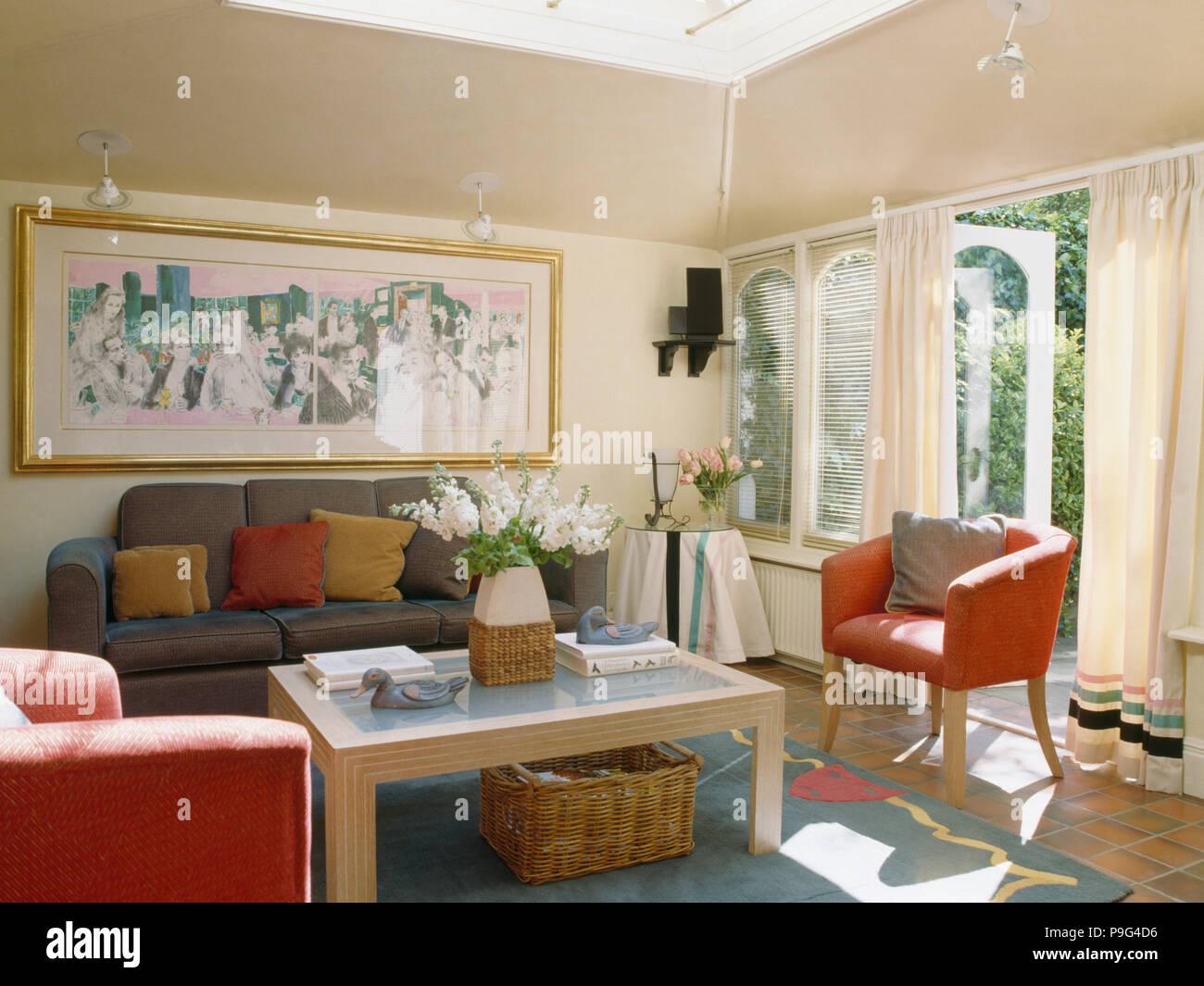 Graues Sofa Rote Wand | Roter Sessel Kombinieren