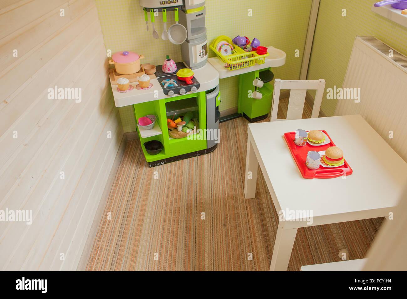 Grün Baby Retro Küche Im Kinderzimmer Kinderzimmer Stockfoto