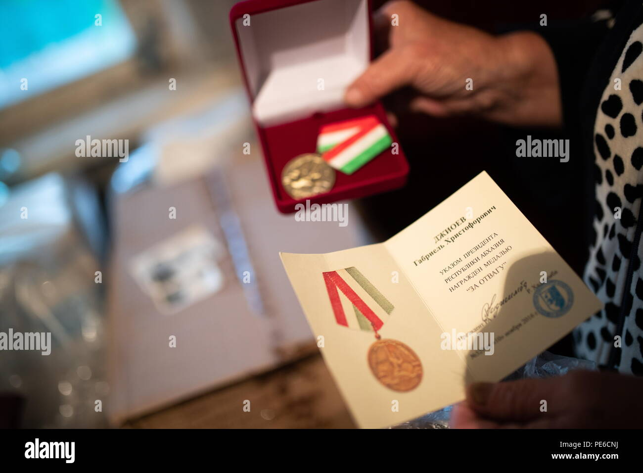 Pe Teppiche Sinzig Husband Shows Stockfotos Husband Shows Bilder Alamy