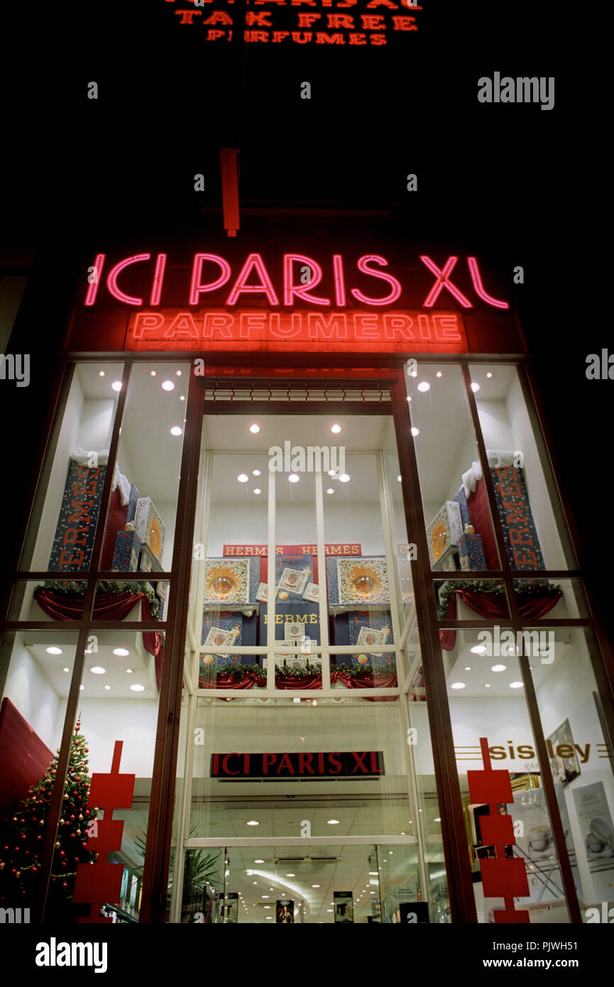 Ici Store Ici Paris Xl Stockfotos Ici Paris Xl Bilder Alamy