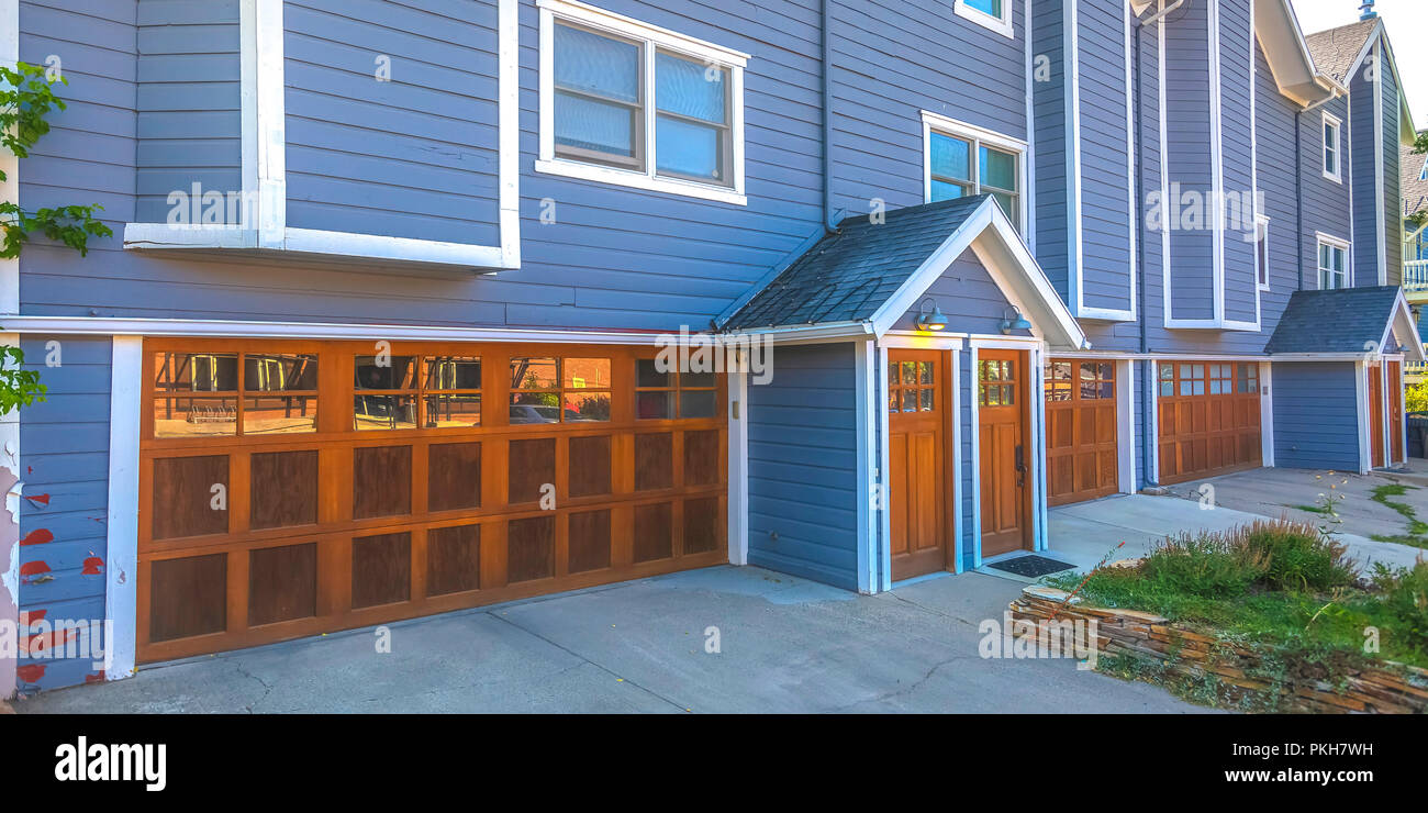 Garage Holzverkleidung Wooden Garage Door Stockfotos Wooden Garage Door Bilder Seite