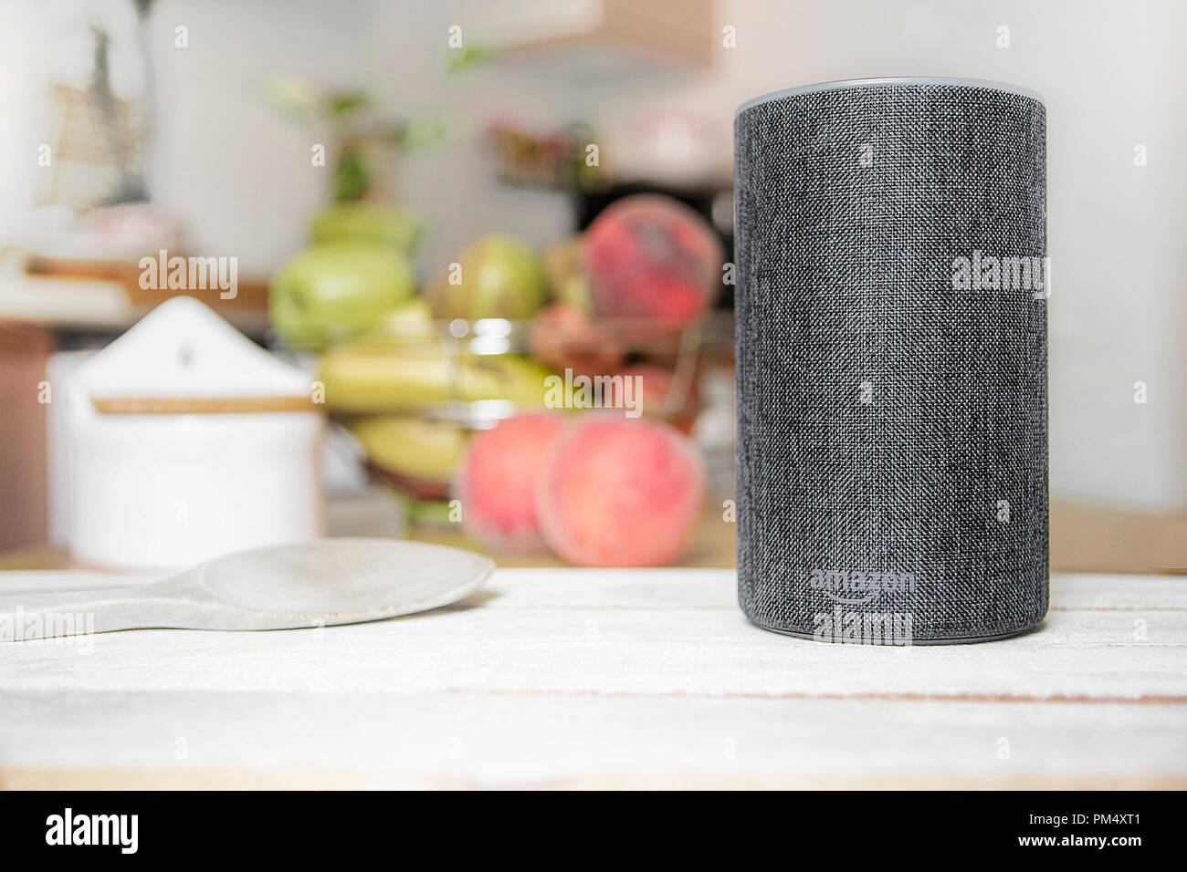 Bilder Für Küche Amazon Barcelona September 2018 Amazon Echo Smart Home Alexa Voice