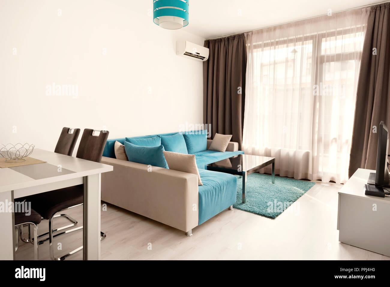 Wandgestaltung Wohnzimmer Grau Türkis | Wohnzimmergestaltung ...