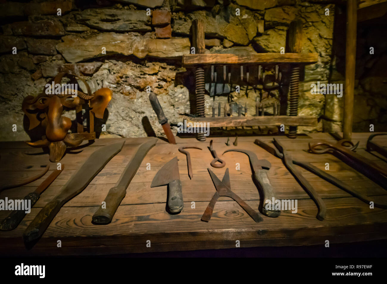 Mittelalter Küchengeräte Torture Tools Stockfotos And Torture Tools Bilder Alamy