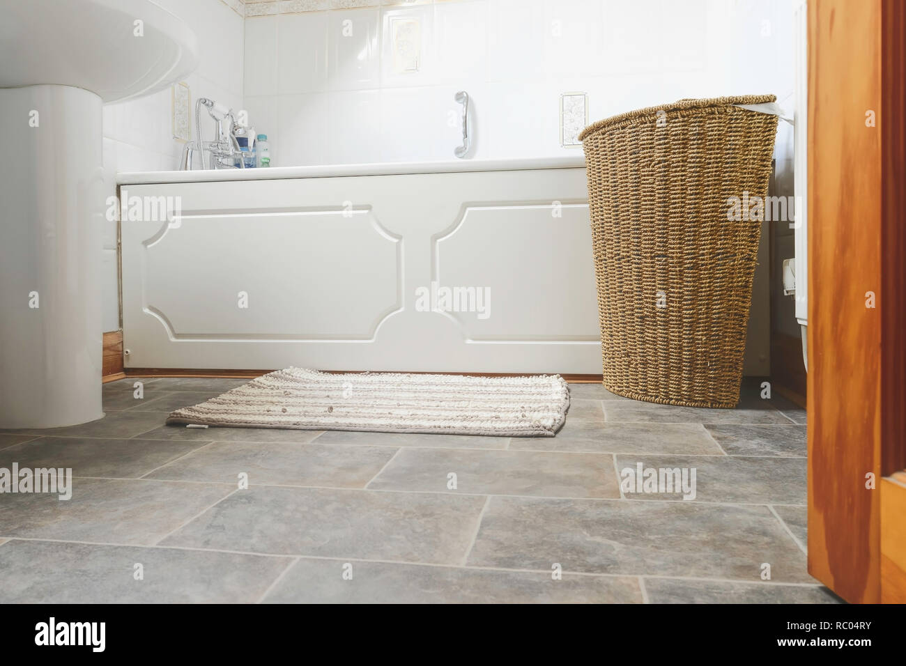 Swing Badezimmer Toilet Magazine Stockfotos Toilet Magazine Bilder Seite 2 Alamy