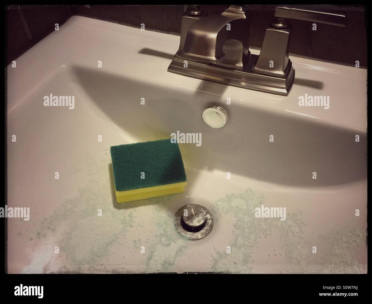 Keramik Waschbecken Küche Putzen | Keramikspüle Reinigen Das Müssen ...