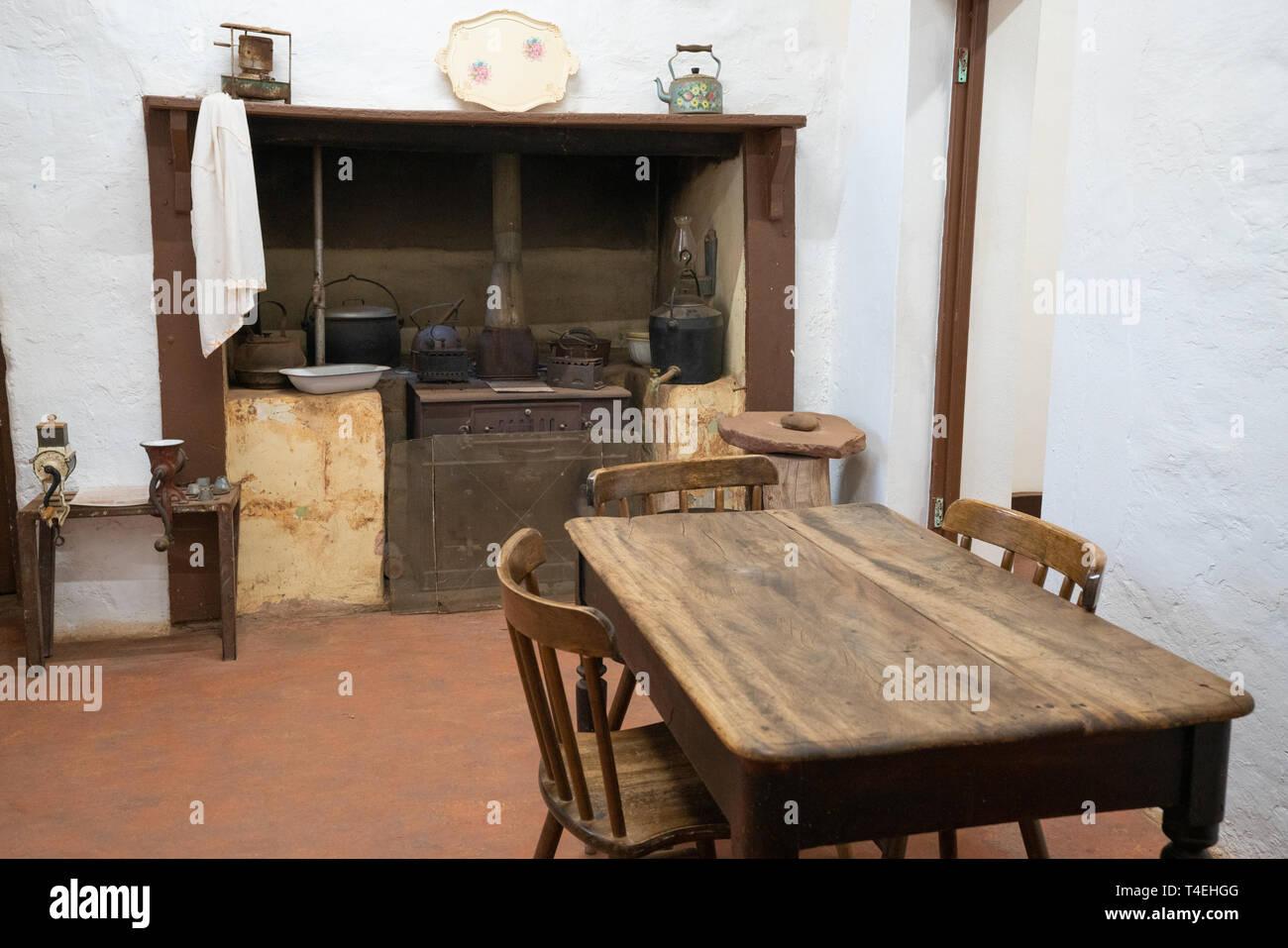 Küche Tisch Holz | Kuchen Mit Holz Einzigartig Outdoor Küche Holz ...
