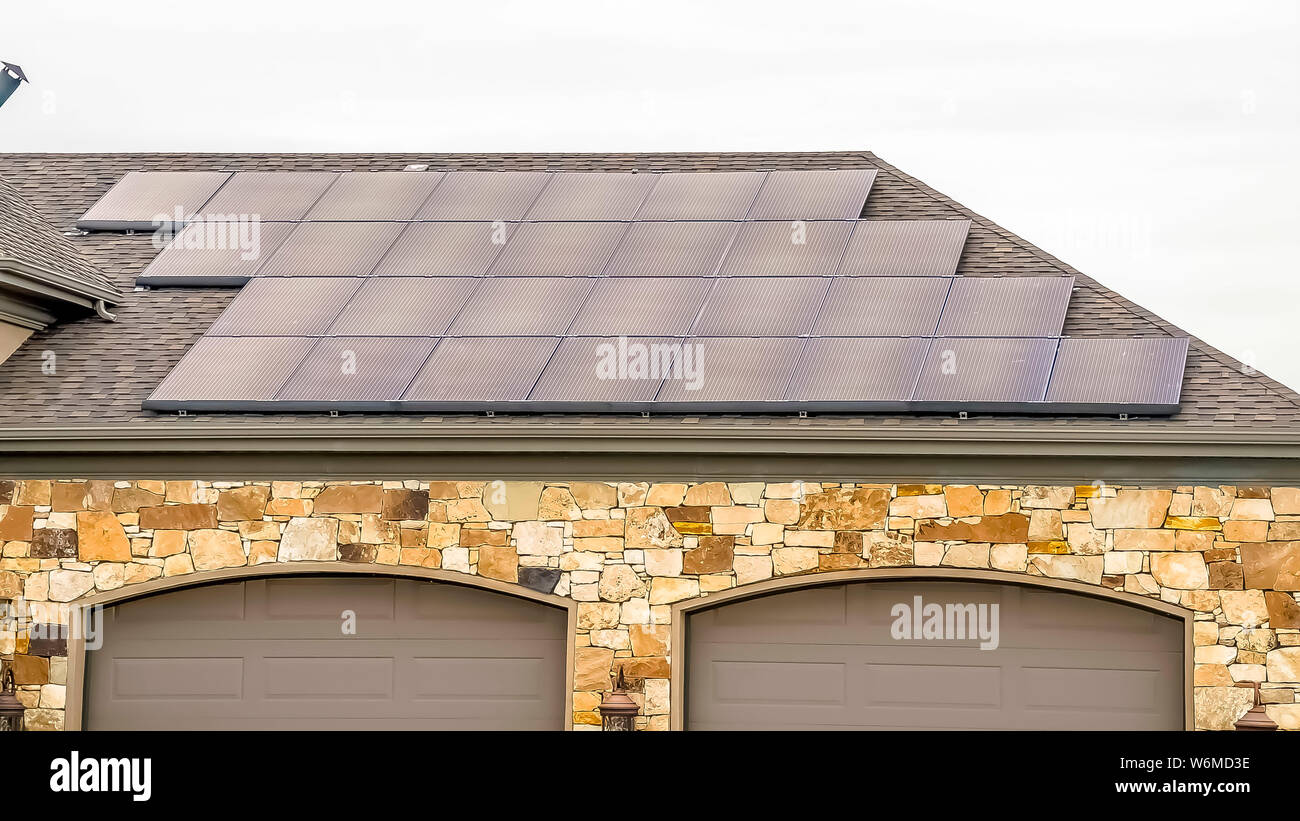 Solaranlage Garage Solar Panel Garage Stockfotos Solar Panel Garage Bilder