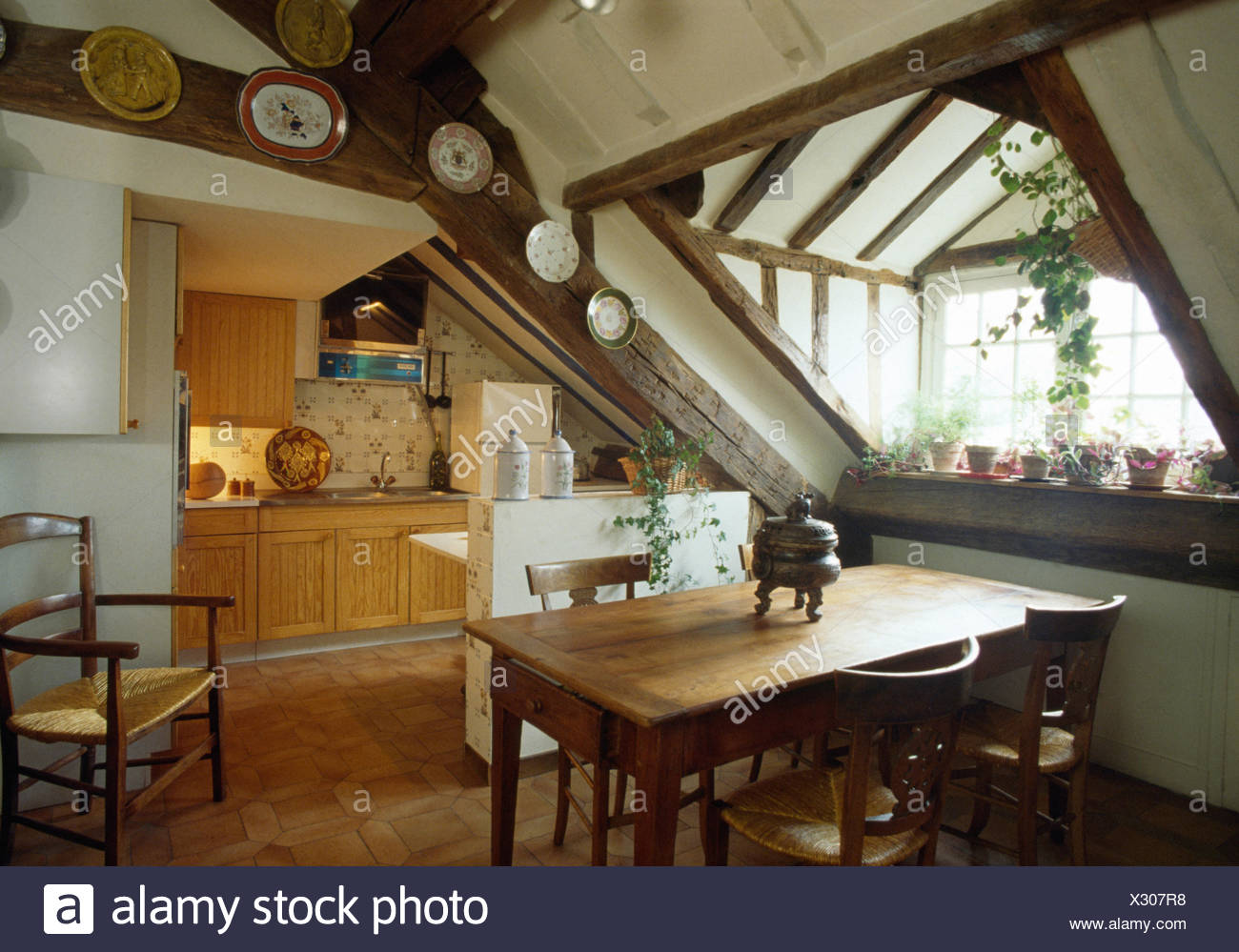 Dachboden Kleine Küche Attic Stockfotos And Attic Bilder Alamy