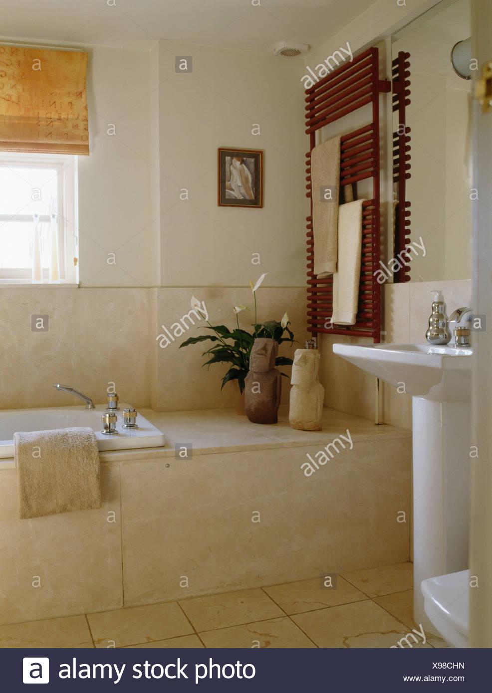 Wandfliesen Bad Im Badezimmer Die Fliesen Streichen Tipps