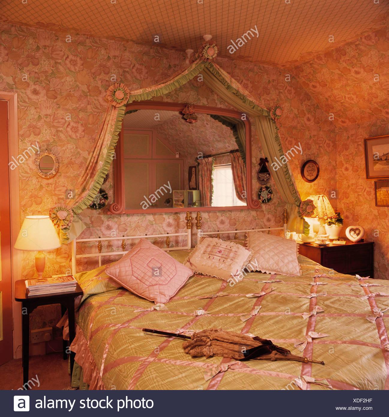 Schlafzimmer Grün Gold