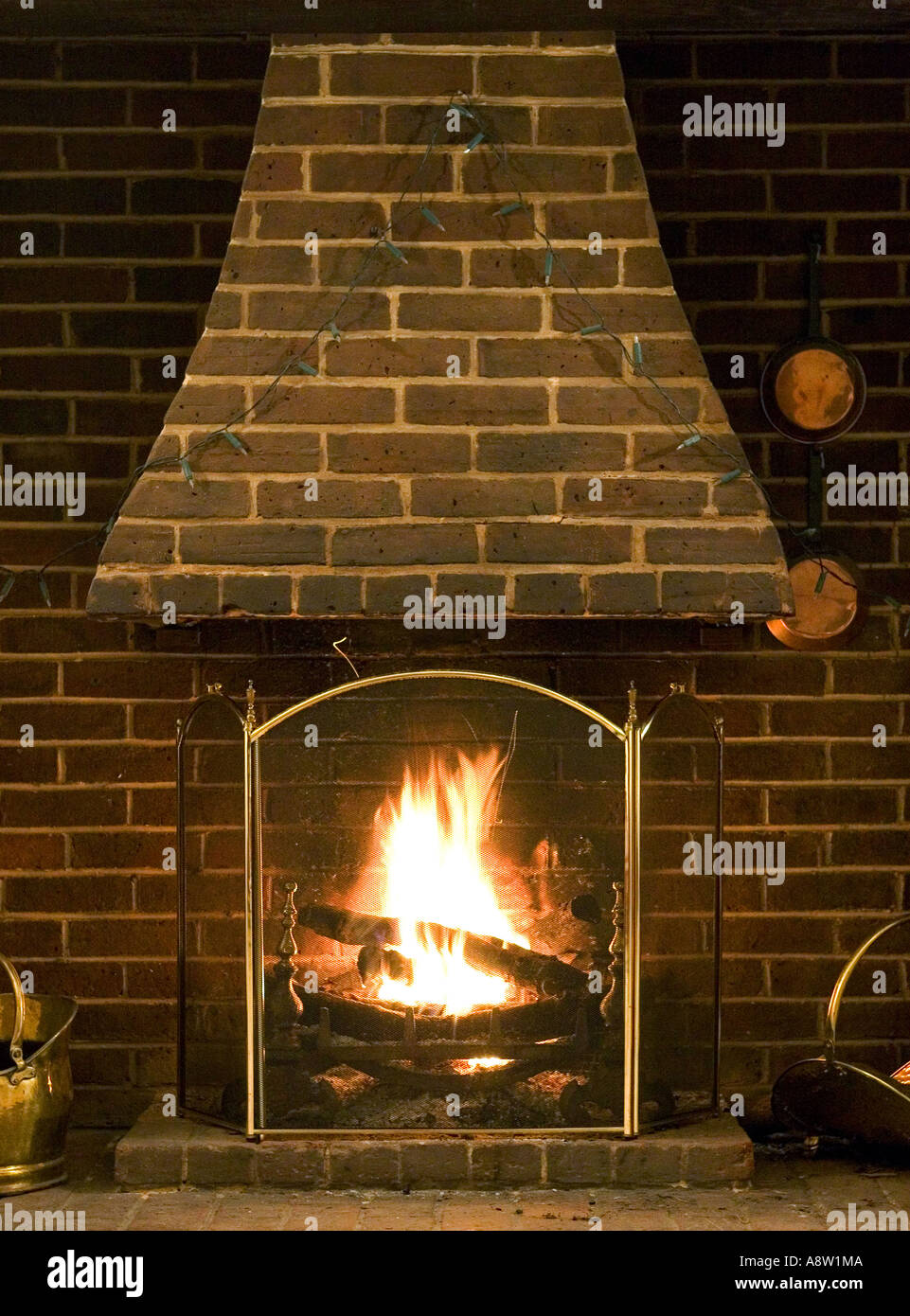 Feu De Cheminee En Anglais Roaring Fire Photos Roaring Fire Images Alamy