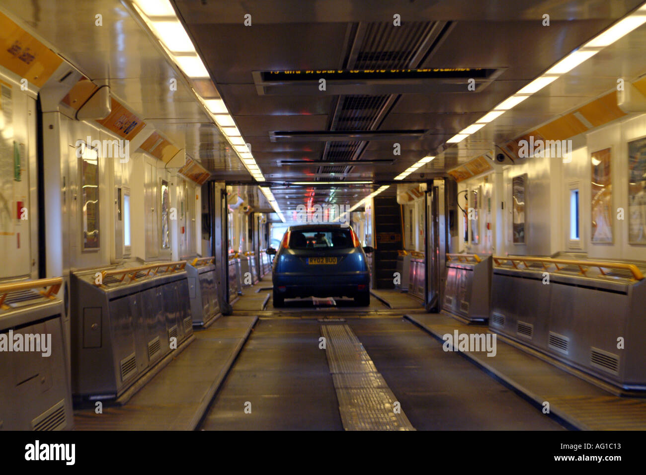 Bus Paris Calais L 39intérieur De Transport Eurotunnel Cross Channel Débarque