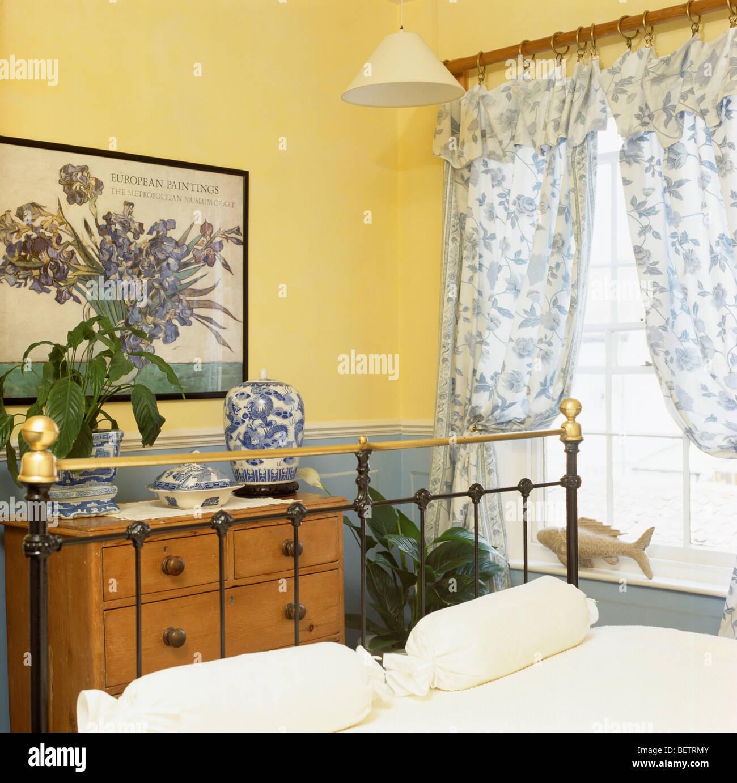 Chambre Jaune Bleu | Images Gratuites Bois Maison Fleur Fenêtre Mur ...