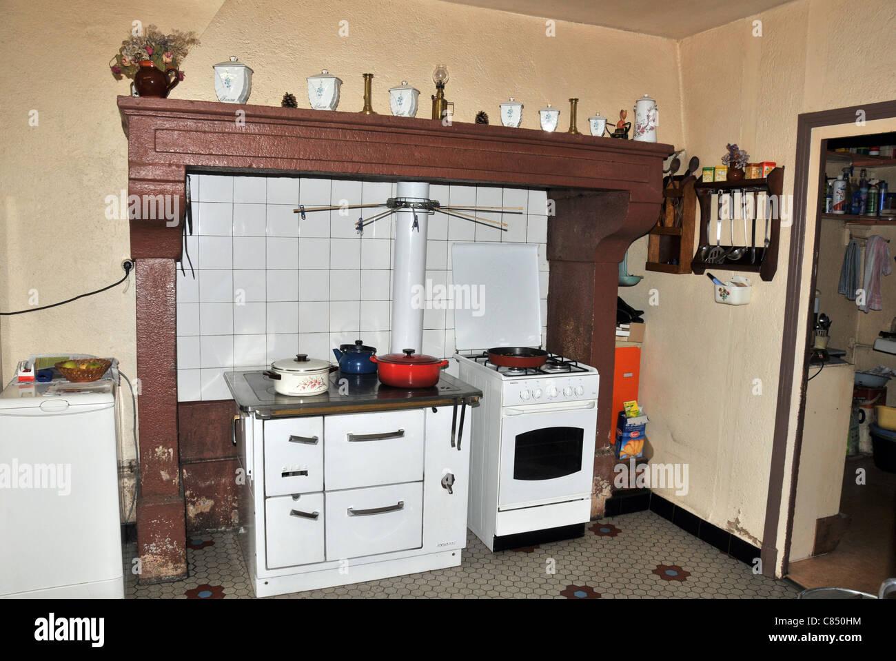 Chemin e Cuisine Ancienne | Salon Avec Cheminee Ancienne