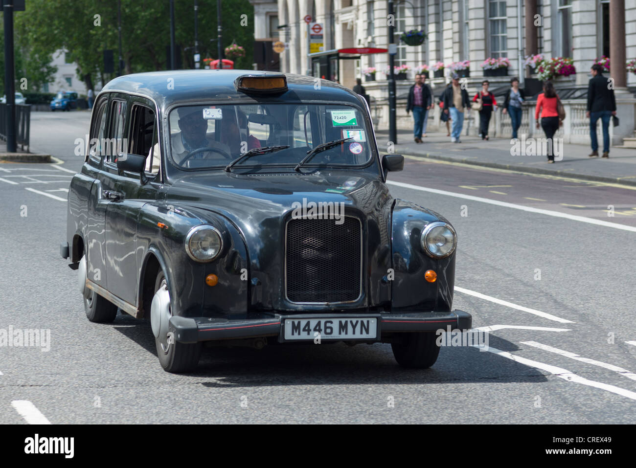 Le Cab Taxi Black Taxi Cab Photos And Black Taxi Cab Images Alamy