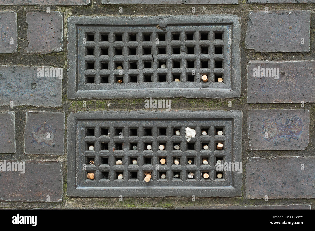 Cendrier Exterieur Belgique Used Cigarette Butts Photos And Used Cigarette Butts Images
