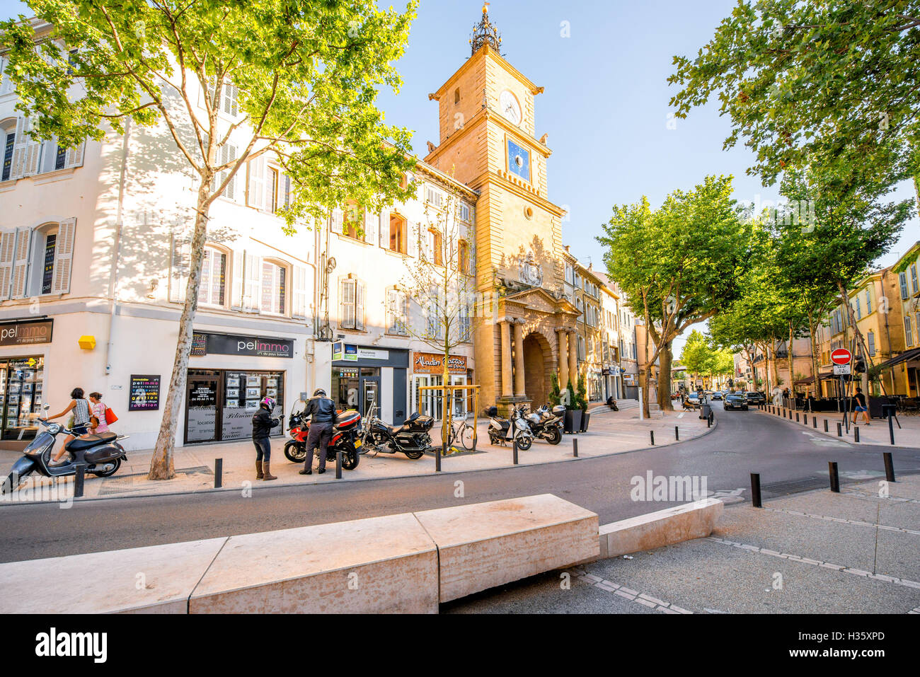 Tabac Salon De Provence Salon De Provence Photos And Salon De Provence Images Alamy