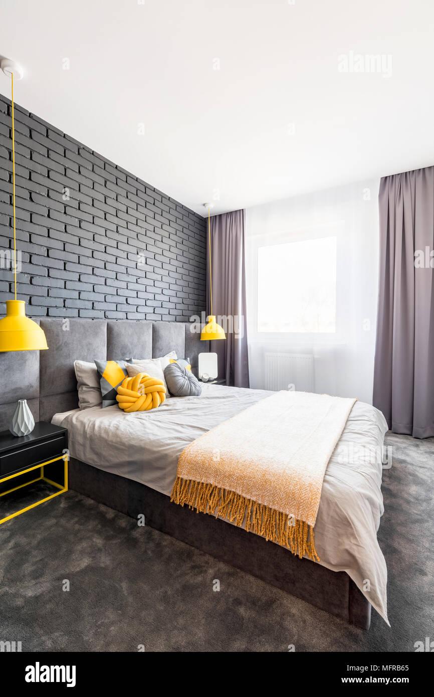 Chambre à Coucher Gris Et Jaune | Beau Deco Chambre Noir Et Blanc ...