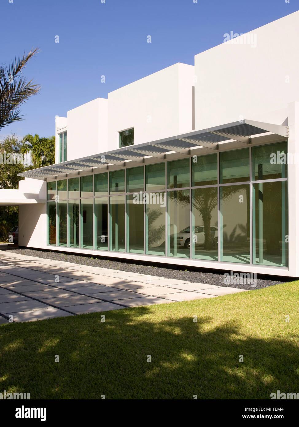 Facade Exterieur Maison Moderne | Entree Extérieure Maison ...