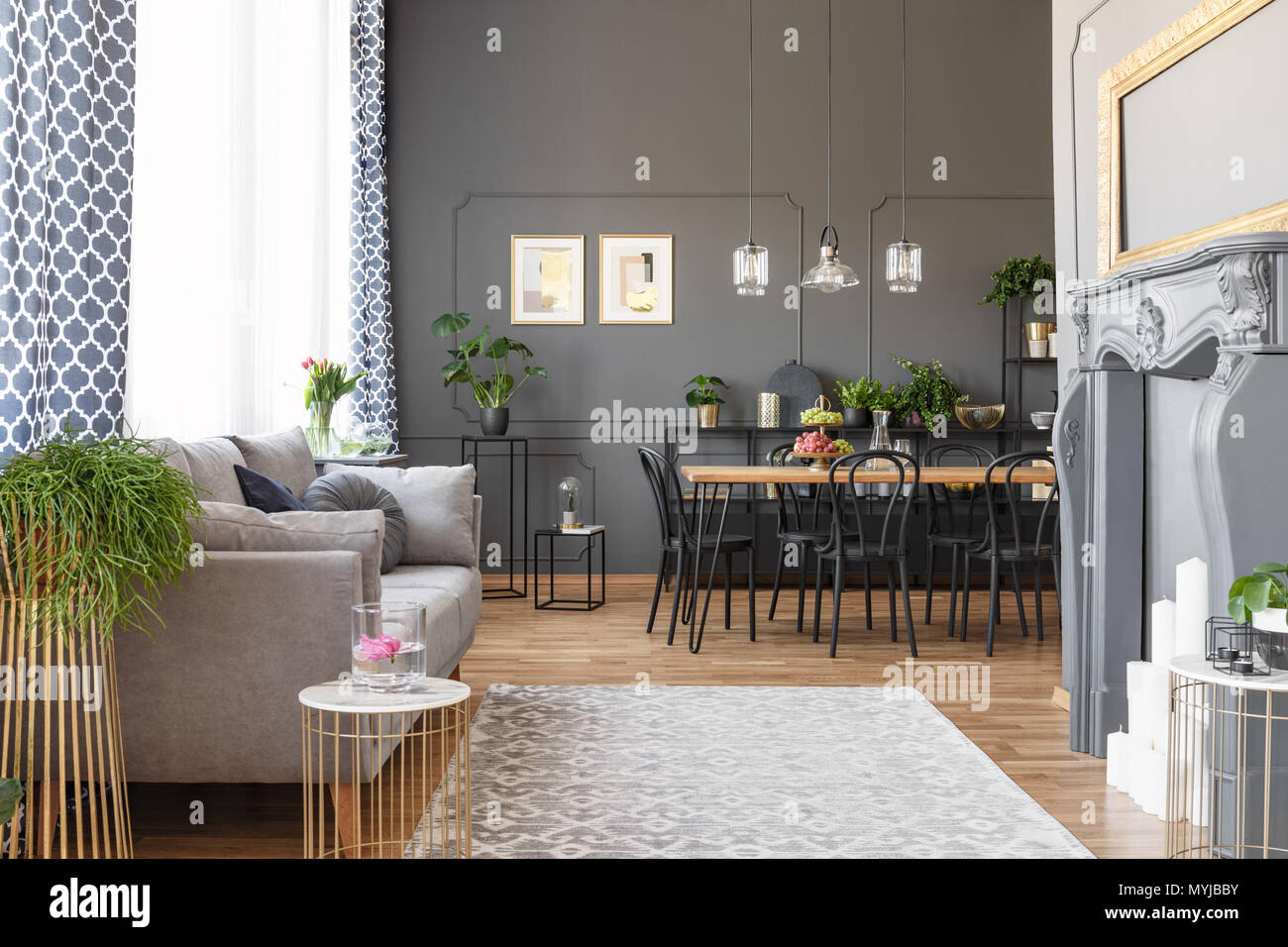 Fauteuil Suspendu Nerja Gris Moroccan Dining Room Photos Moroccan Dining Room Images Alamy