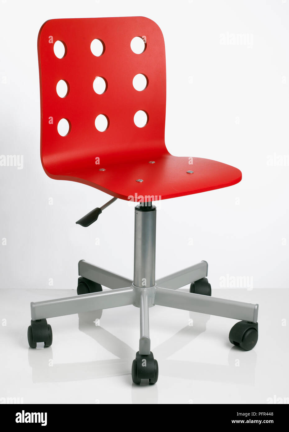 Fauteuil Pivotant Rouge Swivel Chair Photos Swivel Chair Images Alamy