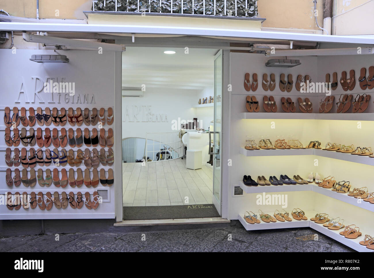 Arte Boutique Mon Compte Sorrento Shop Photos Sorrento Shop Images Alamy
