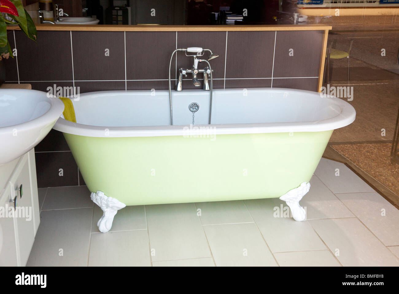 Shop Bagno Vasca Da Bagno In Un Bagno Shop Showroom Foto Immagine Stock
