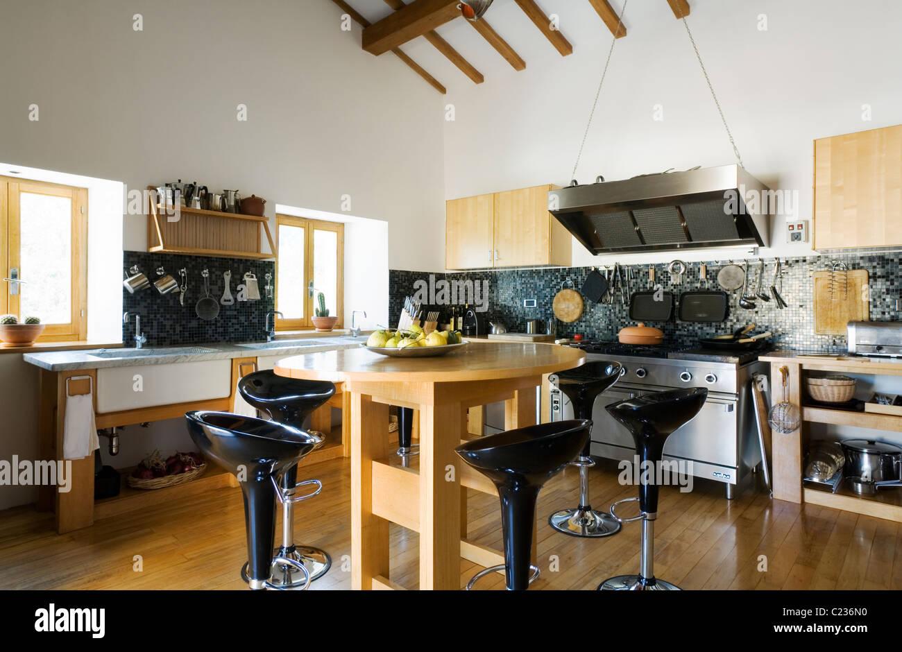 Soffitti Con Travi In Legno : Cucina moderna con travi in legno foto soffitti con travi in