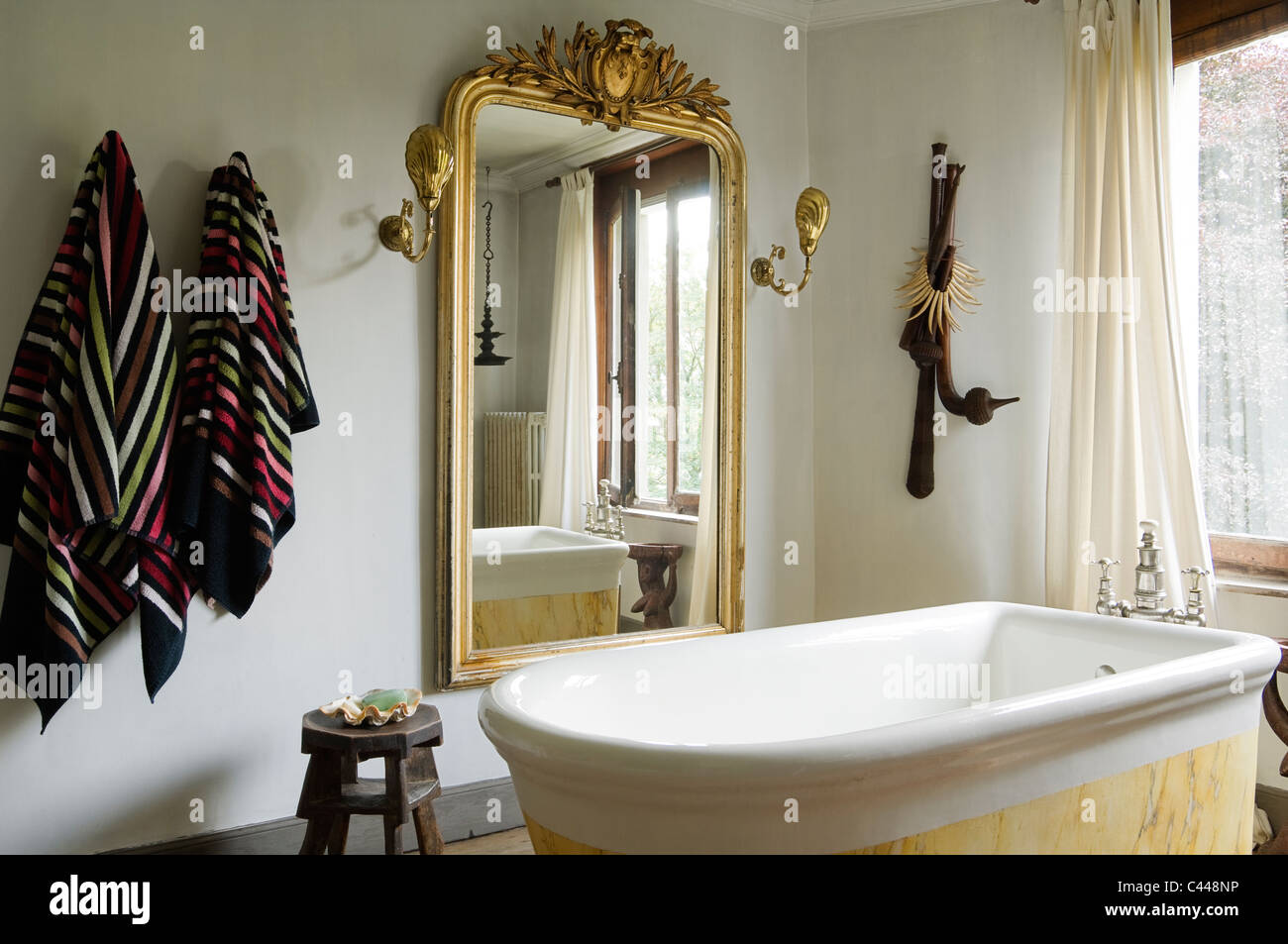 Vasca Da Bagno Francese : Vasca da bagno in francese appartamento appartamenti burgmann