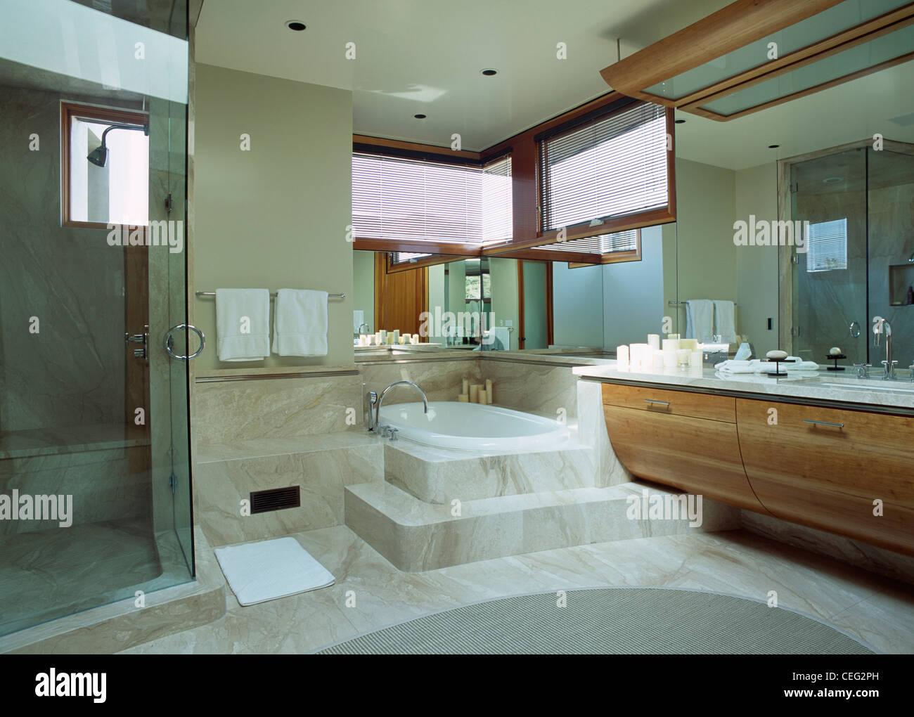 Vasca Da Bagno Con Nicchia : Vasca con vetro doccia